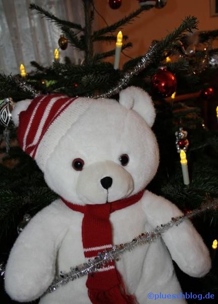 Bommel vor dem Weihnachtsbaum 5