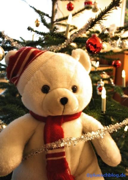 Bommel vor dem Weihnachtsbaum 6